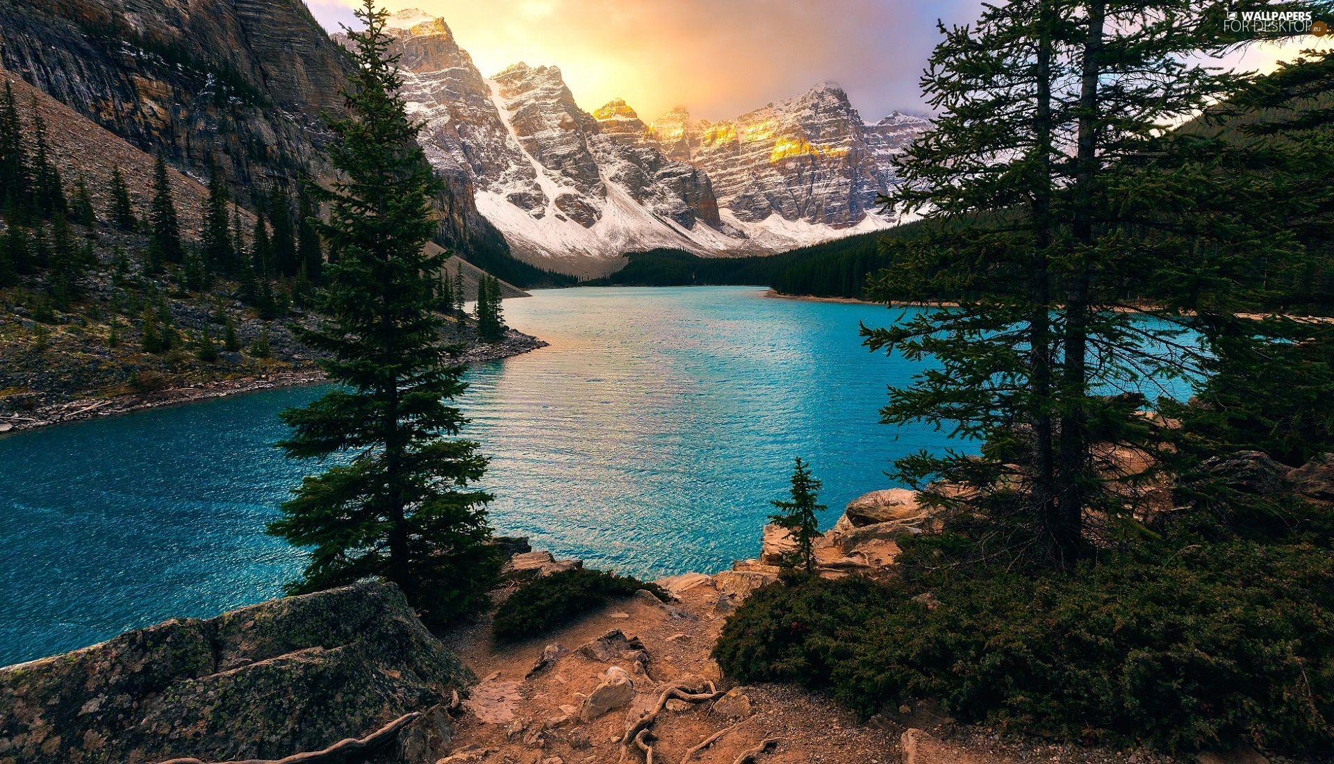 Moraine Lake and the Valley of the Ten Peaks, Banff
