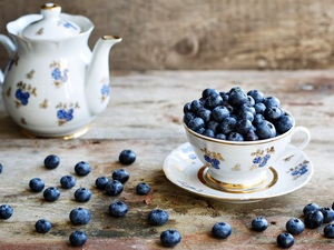 blueberries, plate, jug, cup