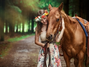 Horse, girl, wreath